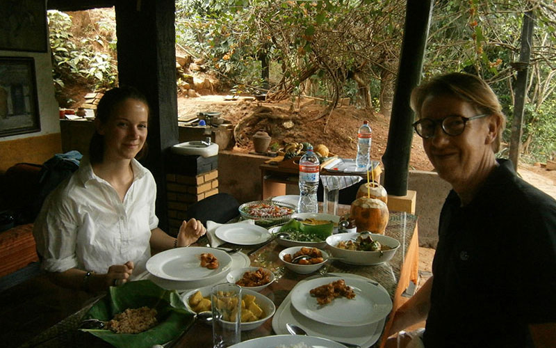 Food and cooking experiences in Sri Lanka - Sri Lanka Food and cooking Tours - Culinery Experince in Sri Lanka - Sri Lanka Food Tours